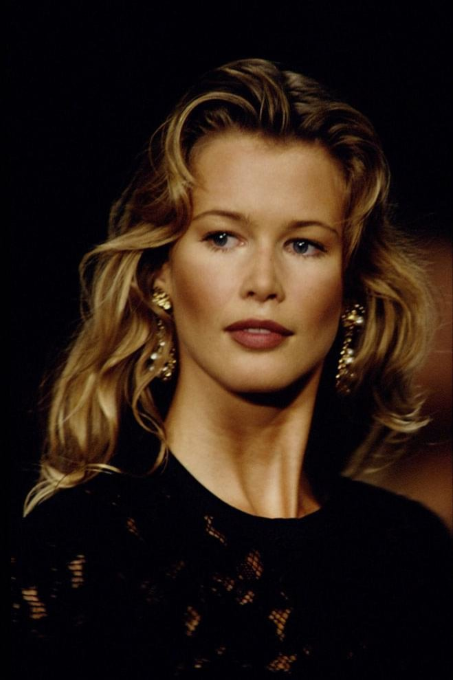 Ultracienkie brwi - Claudia Schiffer