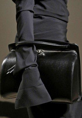 DRESS CODE DLA PAŃ – KOLORY W PRACY