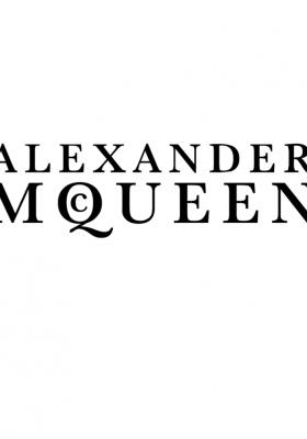 PRZEPROWADZKA DOMU MODY ALEXANDER MCQUEEN