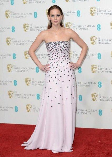Jennifer Lawrence na rozdaniu nagród BAFTA 2013