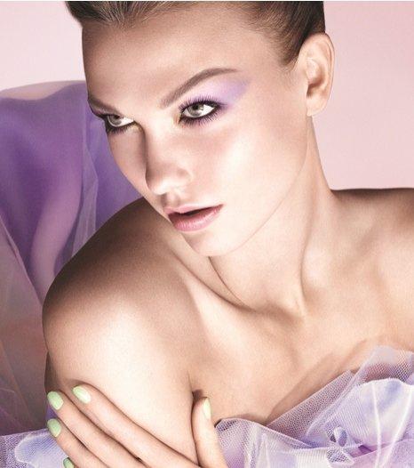 Karlie Kloss w kampanii wiosennego makijażu Dior - Garden Party