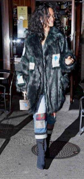 1. Rihanna w butach z kolekcji Alexander Wang x H&M