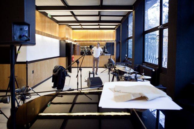 Za kulisami sesji zdjęciowej lookbooka i kampanii kolekcji wiosna lato 2012 marki ZUO Corp.  w Syrenim Śpiewie