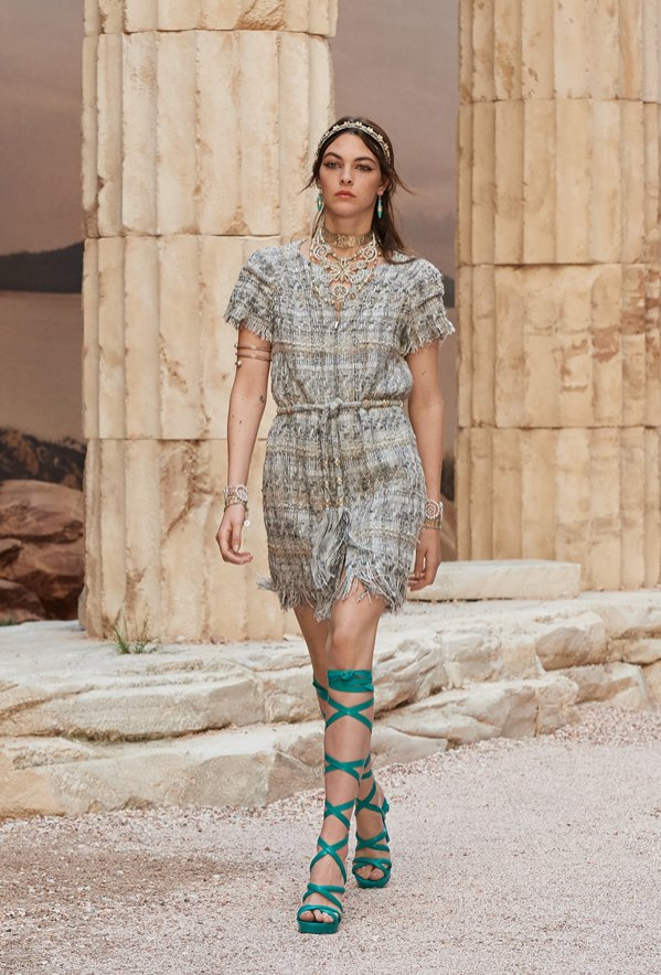 CHANEL RESORT 2018 (1)