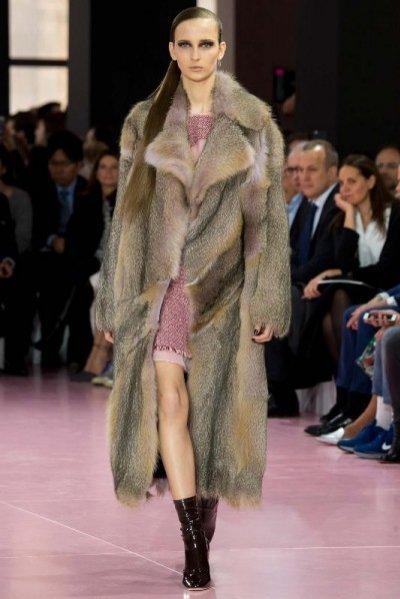 1. Trendy w modzie damskiej jesień zima 2015/2016 - Dior kolekcja jesień zima 2015/2016