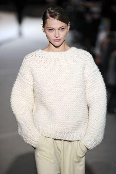 Top modelka Sasha Pivovarova na pokazie Stella McCartney jesień-zima 2011/12