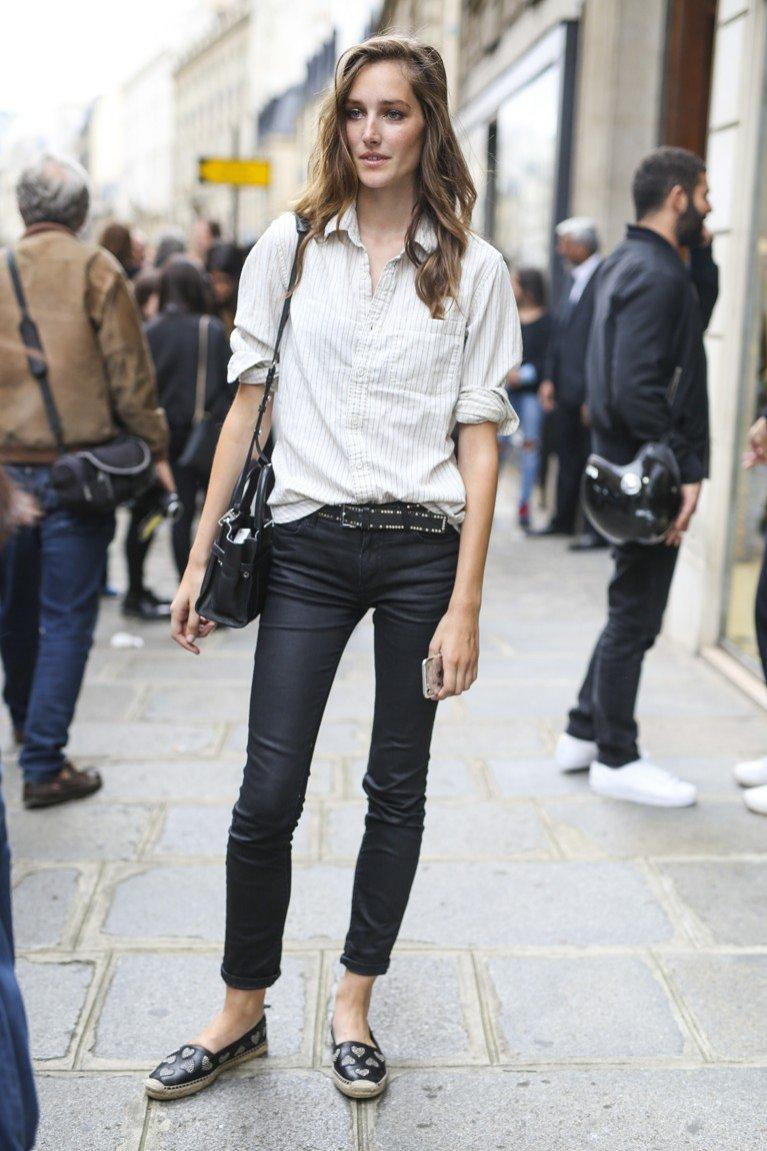 Modelka w stylizacji biało-czarnej