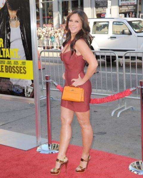 Jennifer Love Hewitt w sukni marki Herve Leger