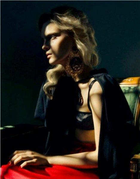 Charlotte Tomaszewska w sesji dla Elle Ukraine