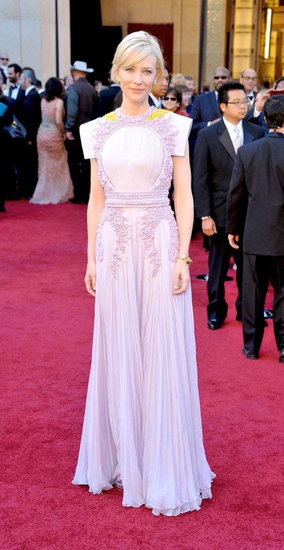 Cate Blanchett - subtelna kreacja w rzymskim stylu