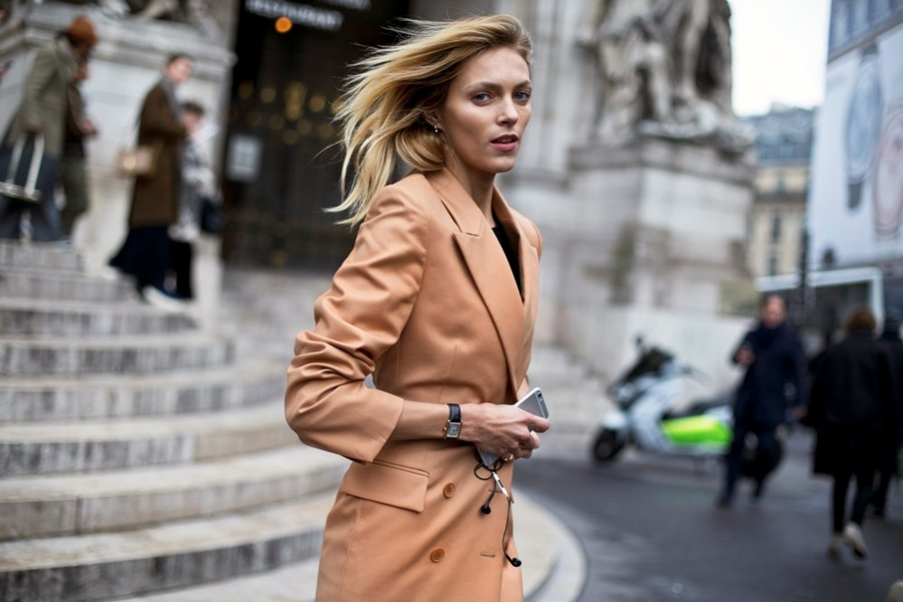 1. Moda uliczna Paris Fashion Week - Anja Rubik