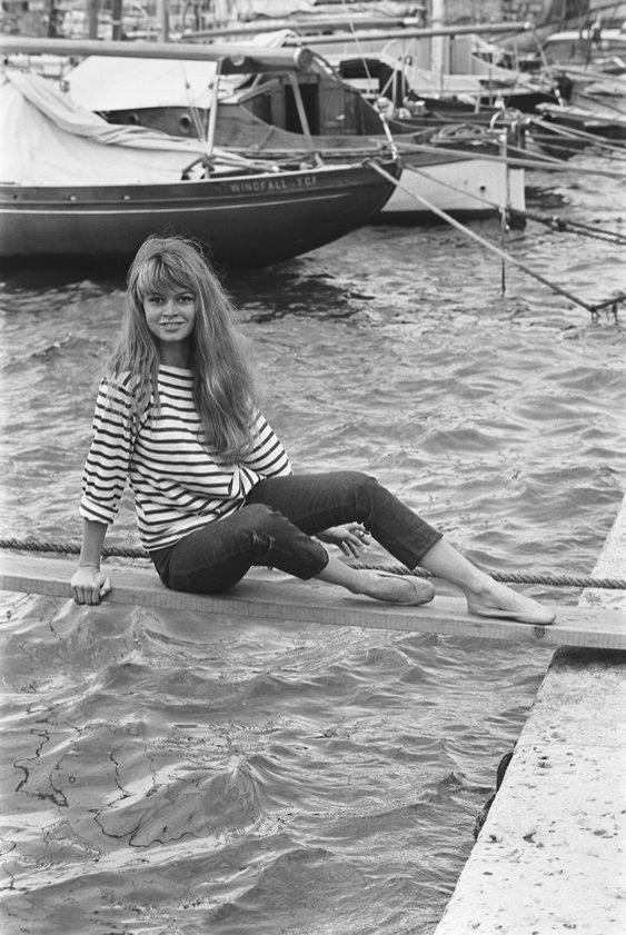 Bluzka w paski i baleriny - Brigitte Bardot (must-have Paryżanek)