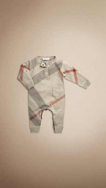 1. Świąteczne propozycje od Burberry Baby