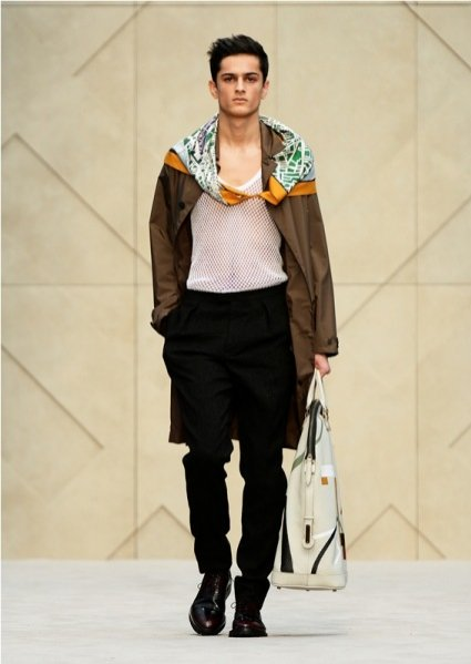 1. Pokaz męskiej kolekcji Burberry Prorsum na sezon jesień zima 2014