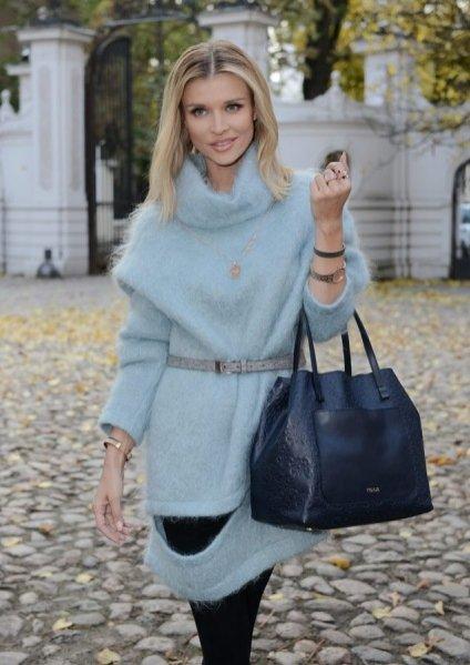 1. Joanna Krupa z torbą TOUS Mossaic