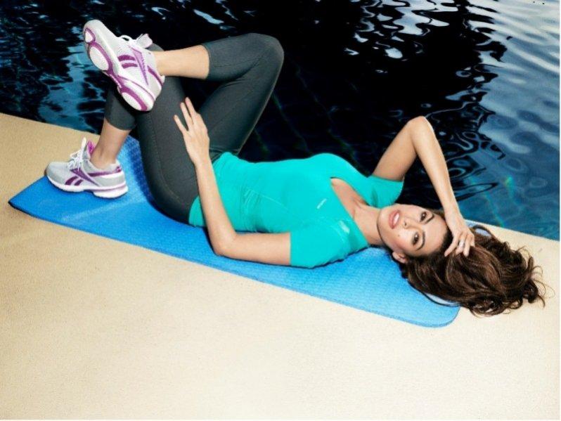 Eva Mendes w kampanii Reebok EasyTone