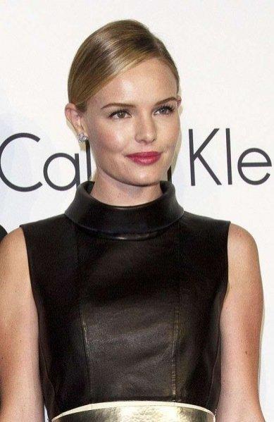 Makijaż i kolczyki Kate Bosworth