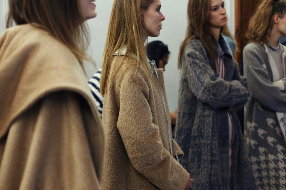 Modelki na backstage'u pokazu Łukasza Jemioła Premium jesień zima 2016/17