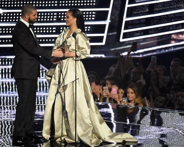Drake i Rihanna podczas MTV VMA 2016