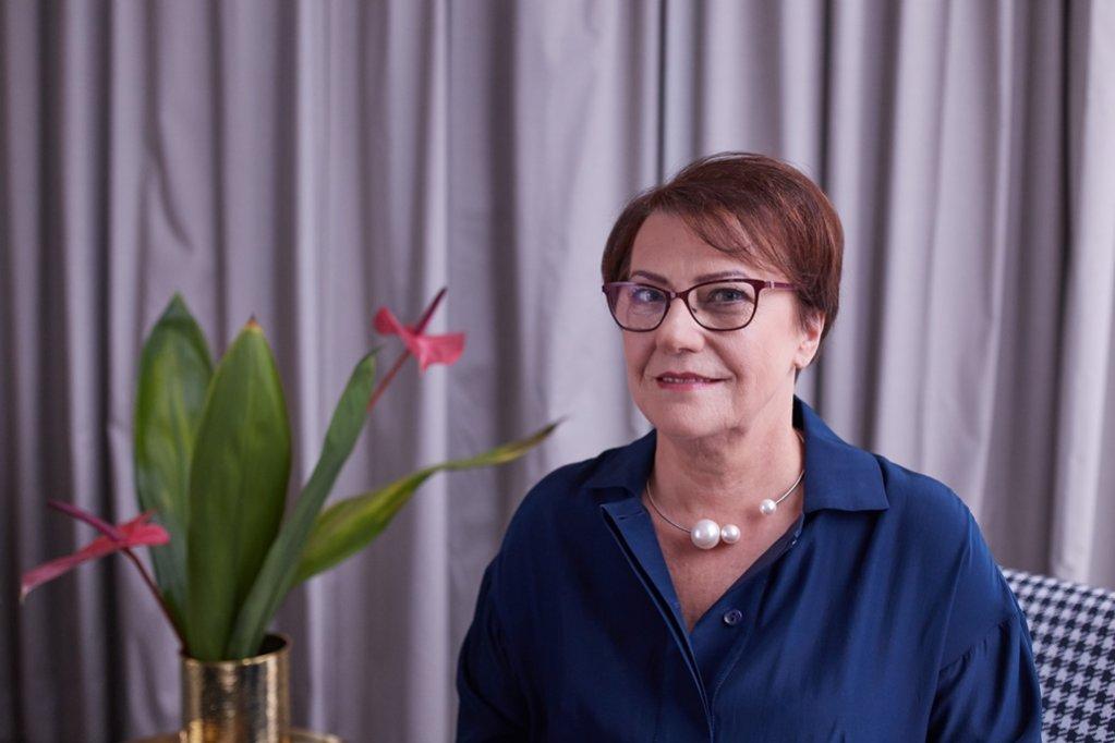 Alina Szmich - Delia Comsetics