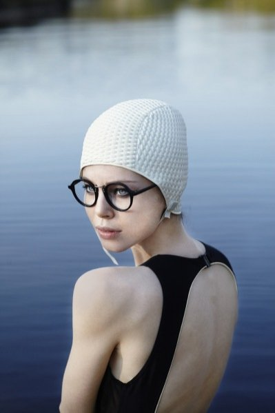 This women in the water is a reflection of my memories/ Massada Eyewear kampania wiosna lato 2013