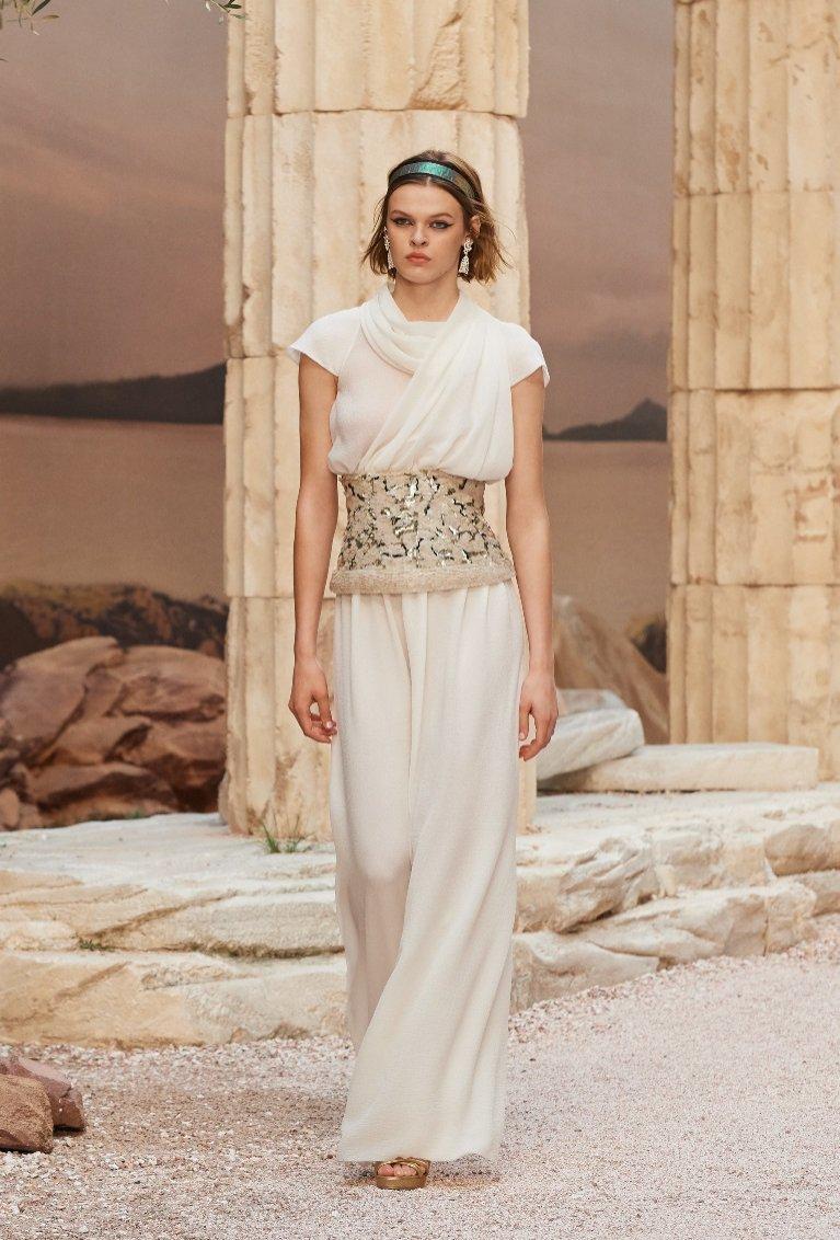 Sukienka w greckim stylu Chanel