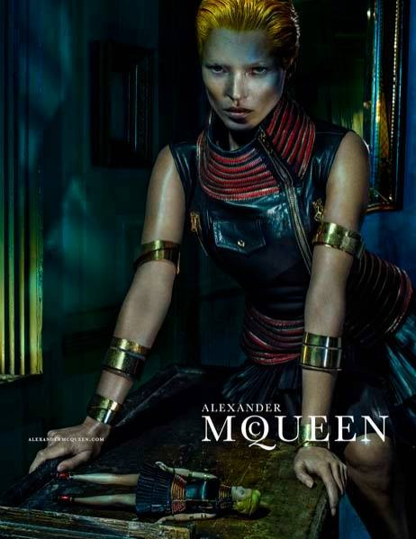 1. Alexander McQueen - kampania wiosna lato 2014