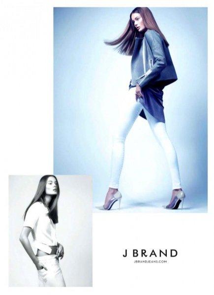 JAC w wiosennej kampanii jeansów J Brand