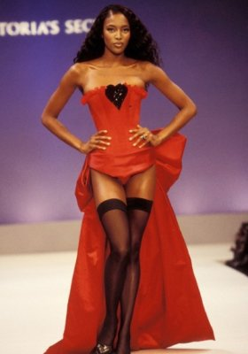 MODELKI VICTORIA'S SECRET OD 1995 DO 2013 ROKU – FOTO