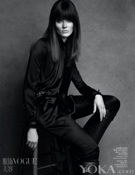 Monika JAC Jagaciak twarzą Vogue China lipiec 2012
