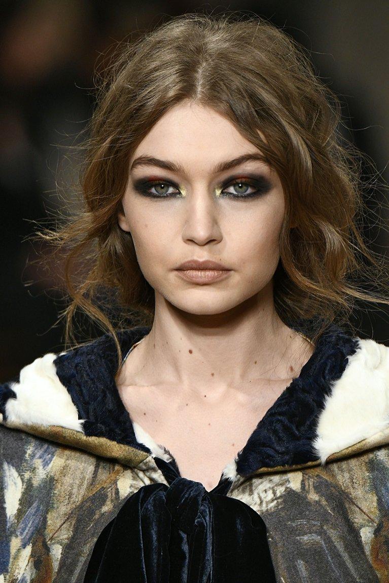 Makijaż z pokazu Alberta Ferretti (Gigi Hadid)