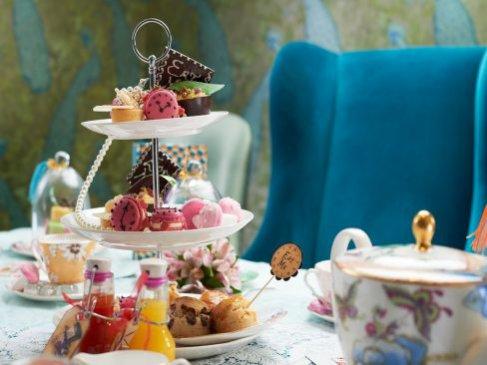 Alice in Wonderland w hotelu Taj, Londyn