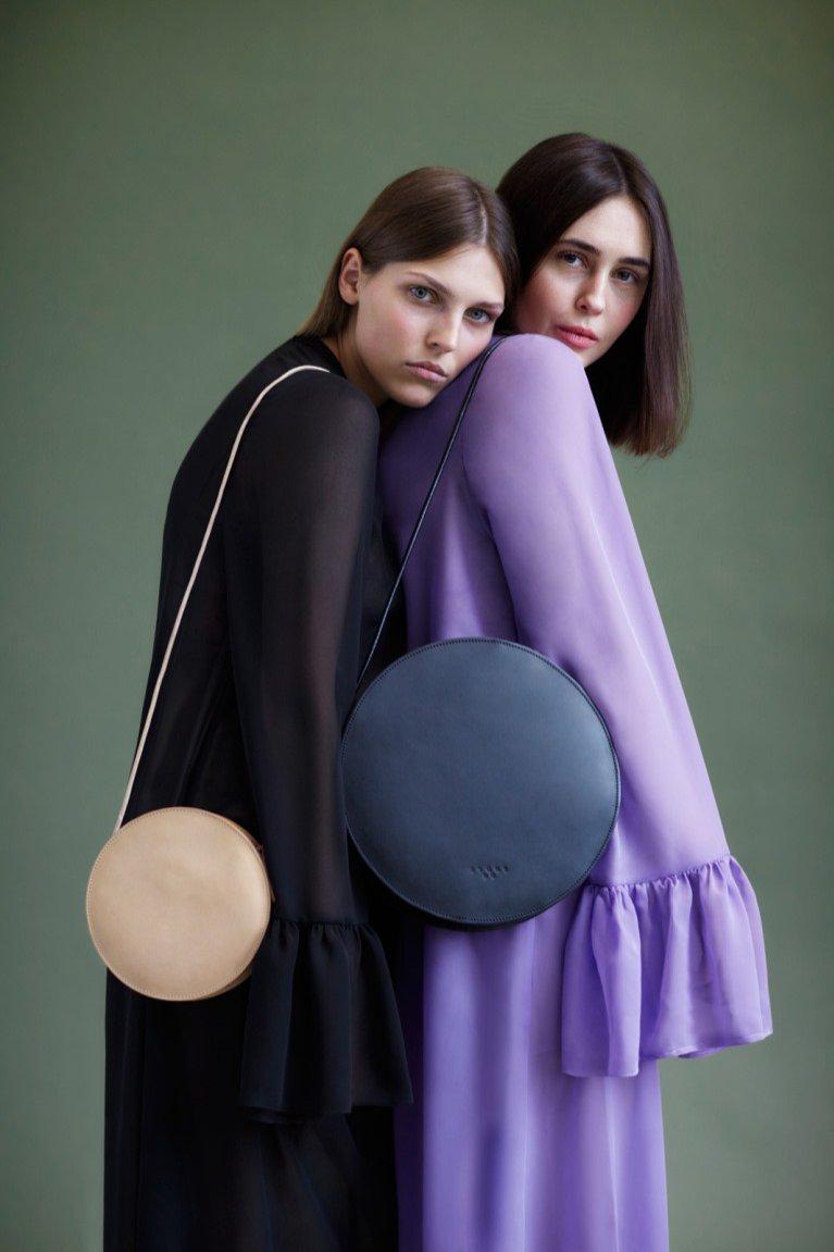 Okrągłe torebki Atomy (od 495 zł)