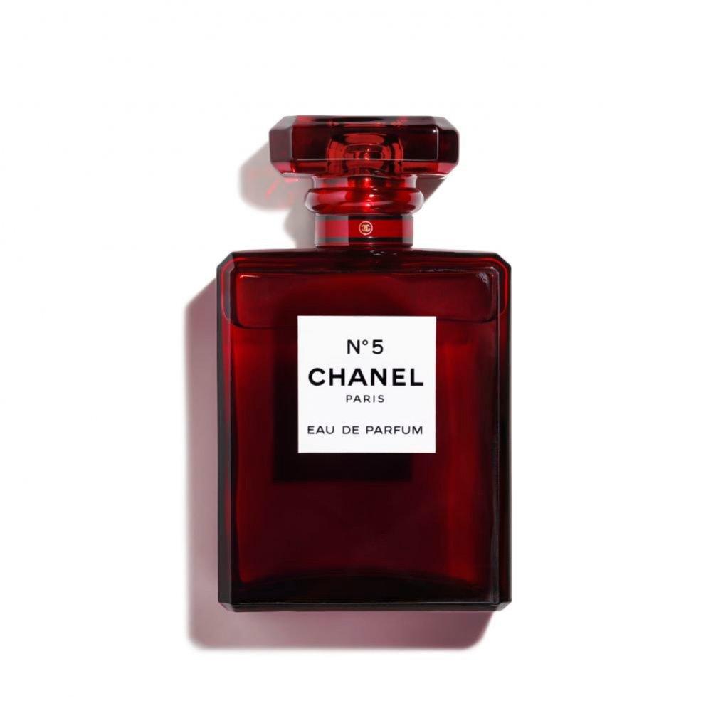 Zapach CHANEL No.5 w czerwonej limitowanej wersji / Douglas (719 zł)
