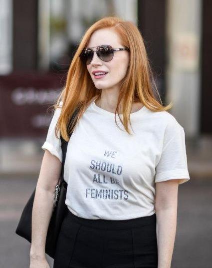 Jessica Chastian w t-shircie Dior