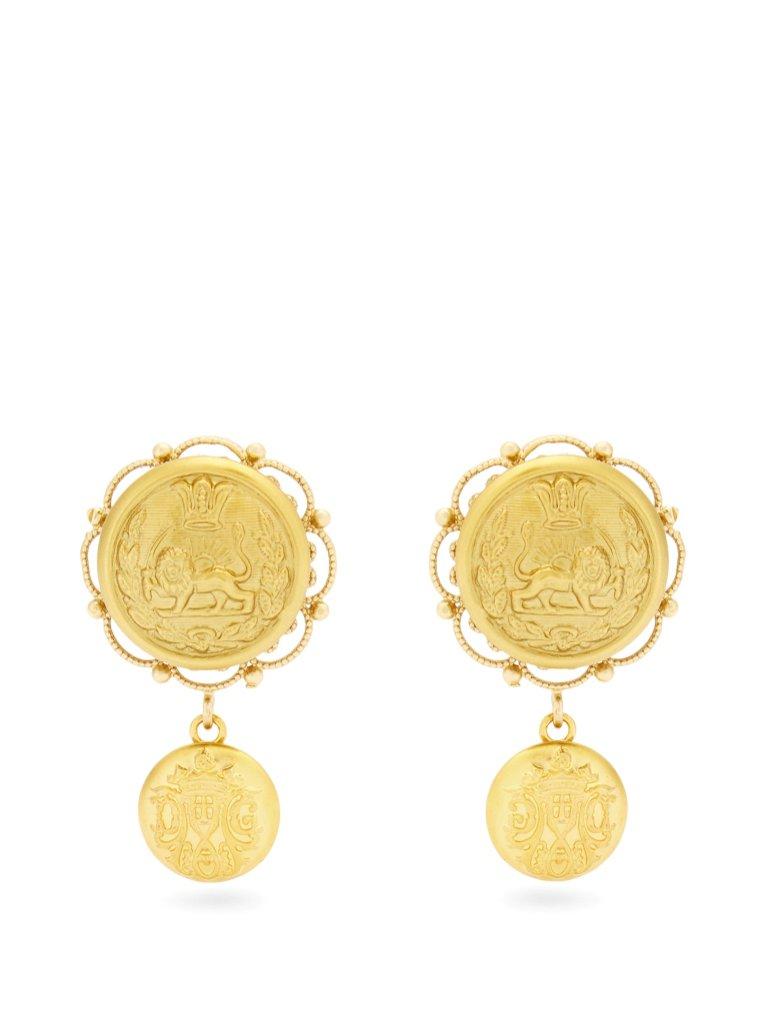 Złote kolczyki Dolce&Gabbana / Matchesfashion (1680 zł)