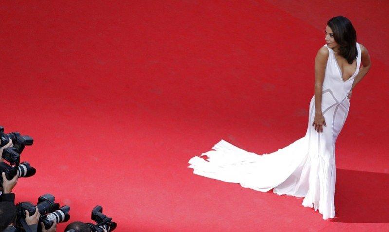 stylizacja Evy Longori na festiwalu filmowym w Cannes