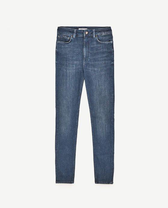 Klasyczne jeansy Zara (99,90 zł z 139 zł)