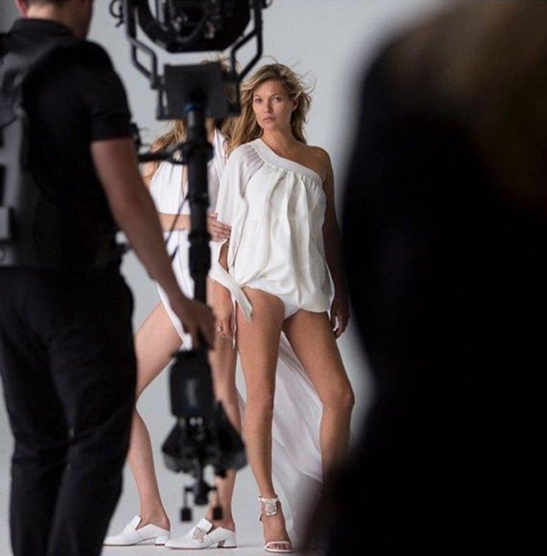 Kate Moss - zdjęcia z backstage'u