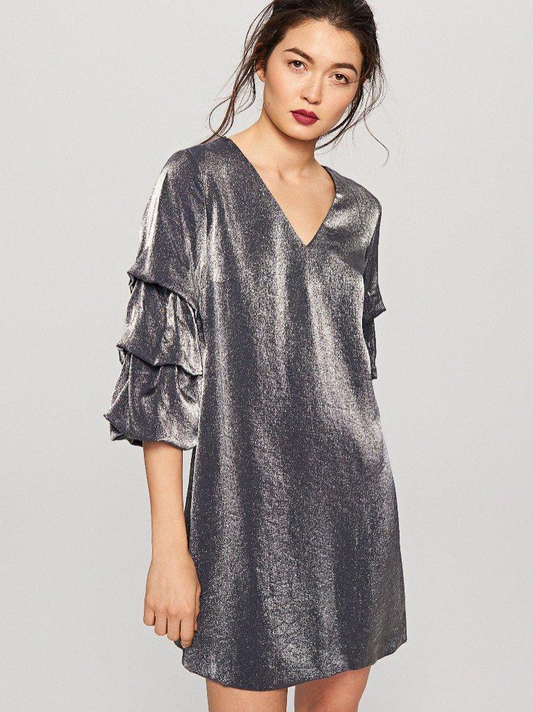 Srebrna sukienka Reserved (139,99 zł)