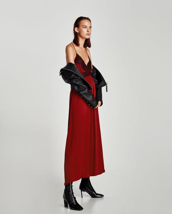 Czerwona sukienka na ramiączkach Zara (249 zł)