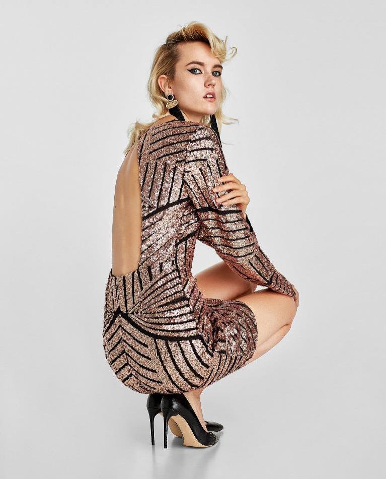 Złota sukienka mini Zara (249 zł)