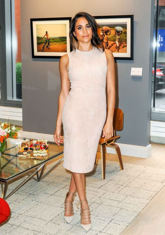 Meghan Markle: różowa sukienka