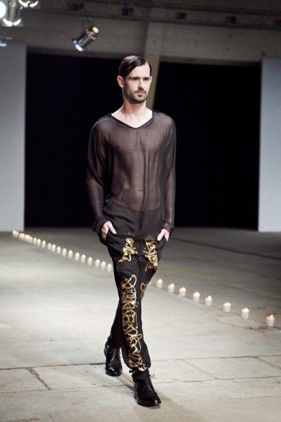 Fashion Week Poland 2012 - pokaz kolekcji Jarosława Ewerta na sezon jesień zima 2012