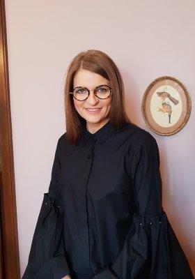Jak odmawiać przyjęcia zaproszenia? Felieton Ireny Kamińskiej-Radomskiej
