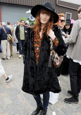 ZOOM NA STYL – FLORENCE WELCH  Z FLORENCE AND THE MACHINE