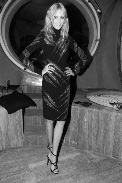 Anja Rubik w sukni Emilio Pucci