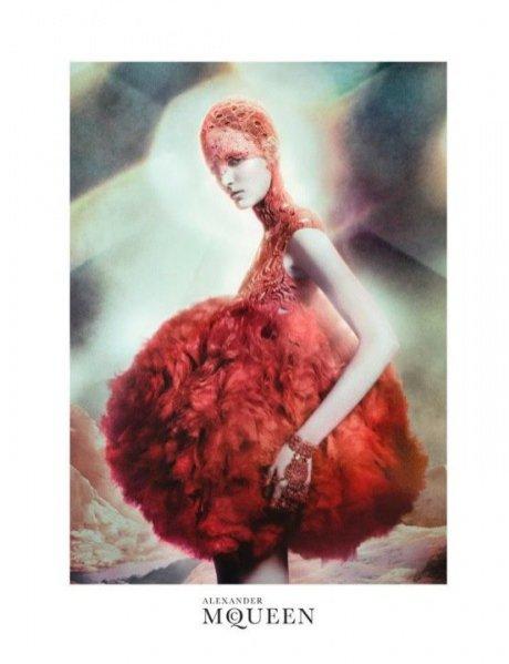 Zuzanna Bijoch twarzą kampanii Alexander McQueen na sezon wiosna lato 2012