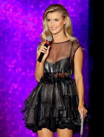 Joanna Krupa - prowadząca imprezę Secret Lashes Fashion Show