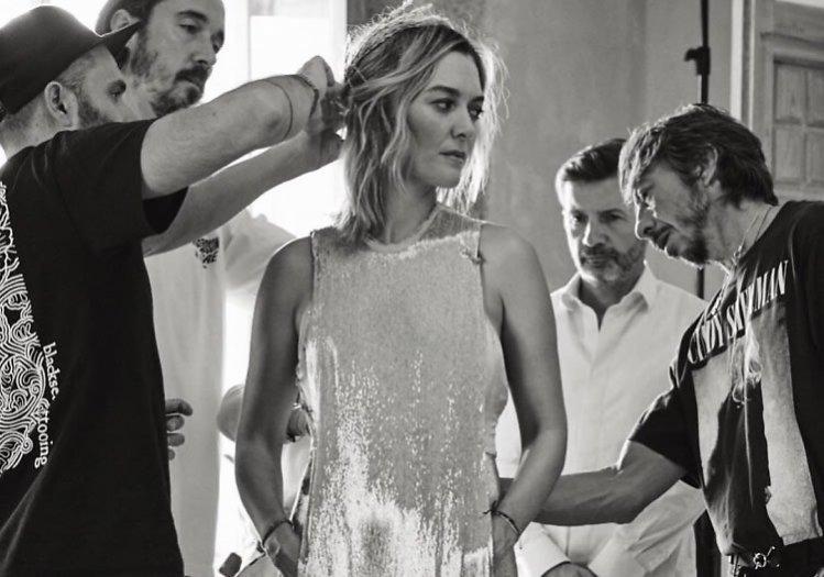 Marta Ortega w połyskliwej sukni na przyjęcie weselne